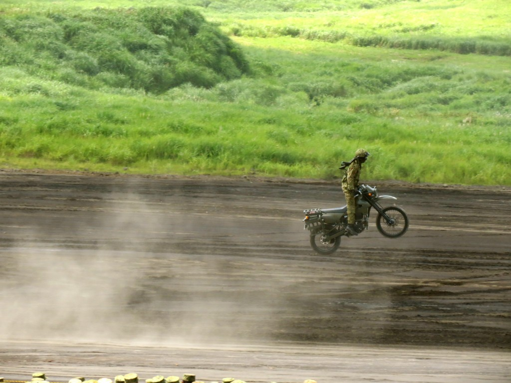 Shizuoka SDF military drill in August 2012
