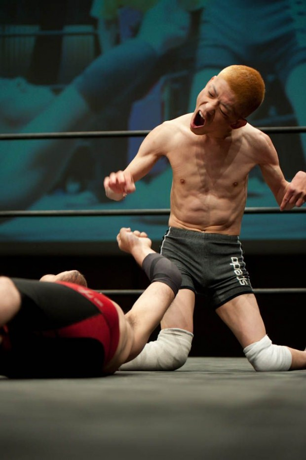 Doglegs disabled pro-wrestling: The fight club that wants you to stare