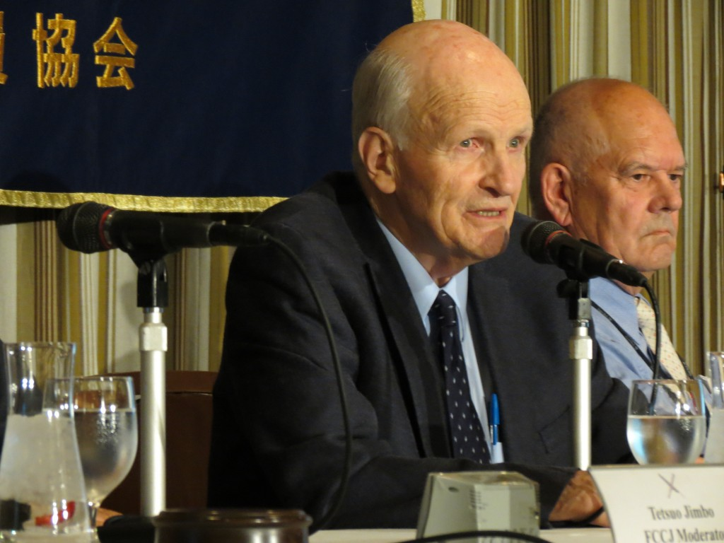 Frank von Hippel, Professor Emeritus of Princeton University (right)  Klaus Janberg (left), Former CEO of Gesellschaft für Nuklear Service, experts in the nuclear industry say Japan should leave Rokkasho nuclear fuel reprocessing plant shut and store nuclear waste.