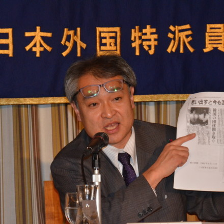 Former Asahi reporter Takashi Uemura faces death threats for his reporting on the comfort women issue. He is suing a publication for defamation after they accused him of fabricating his reports.